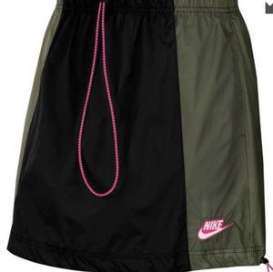 NWT Nike Nylon Drawstring Skirt Size M